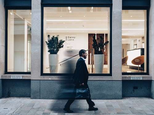 HOW TO APPROACH RETAIL STORES TO SELL YOUR PRODUCTS 2